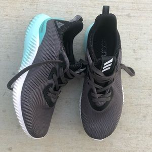 WOMENS ADIDAS ALPHA BOUNCE SNEAKERS sz 7 GOOD COND